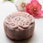 Snow-Skin-Mooncake-with-Red-Bean-and-Banana